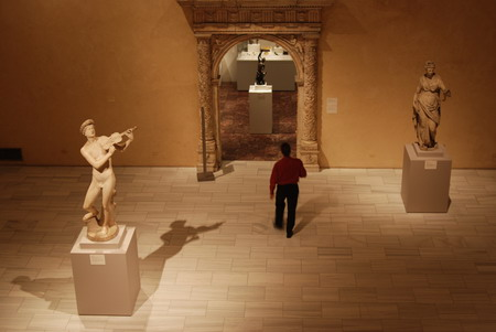 纽约大都会博物馆内的希腊雕塑