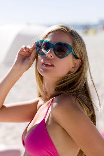 肌密大调查第一期话题:夏日你如何补妆