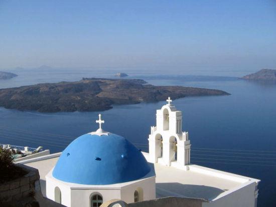 蓝白世界里的爱情天堂:希腊圣托里尼悬崖海岸
