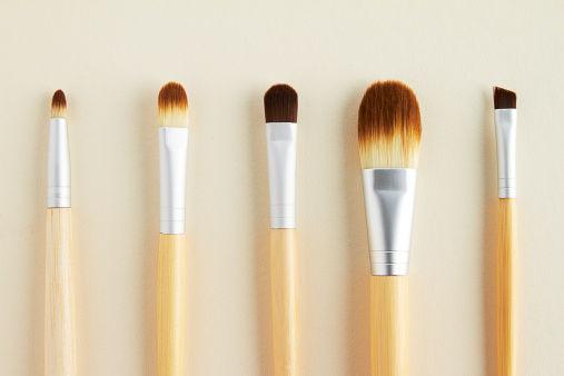 你的化妆工具有多脏