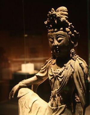 汉传佛像:自在观音菩萨坐像 怡然自得
