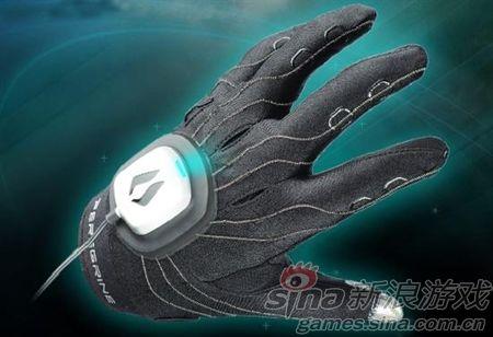 用手套玩《星际争霸》