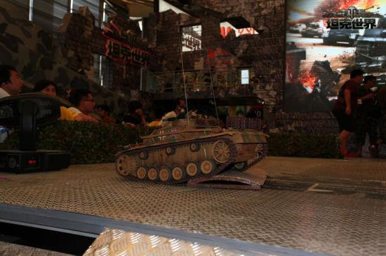 图8:我是坦克,谁敢阻止我~