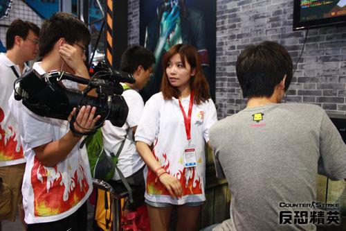 基轮和游戏风云的工作人员,正在准备录制csol主题电视节目《反恐地带