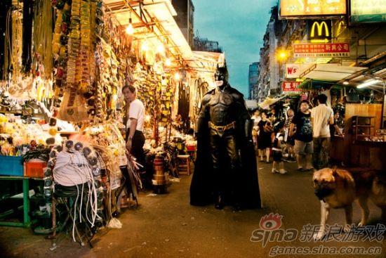 蝙蝠侠游荡在街头