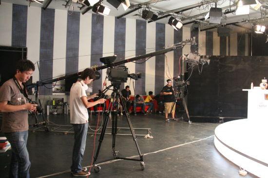 电视转播级别的专业摄制团队