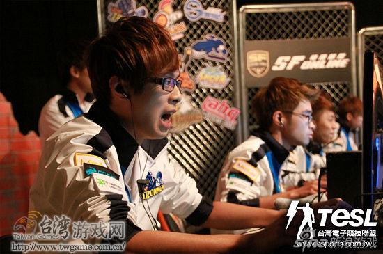 由于Luke的突然离开,Ray紧急接任SF教练一职。_台湾游戏网