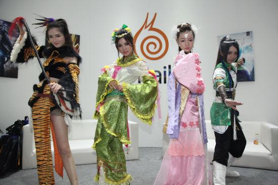 CJ蜗牛展台新门派势力 美女COS图集