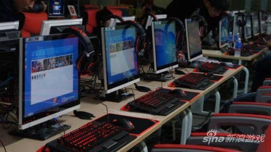 异极职业电竞外设IEF官方指定使用产品比赛现场