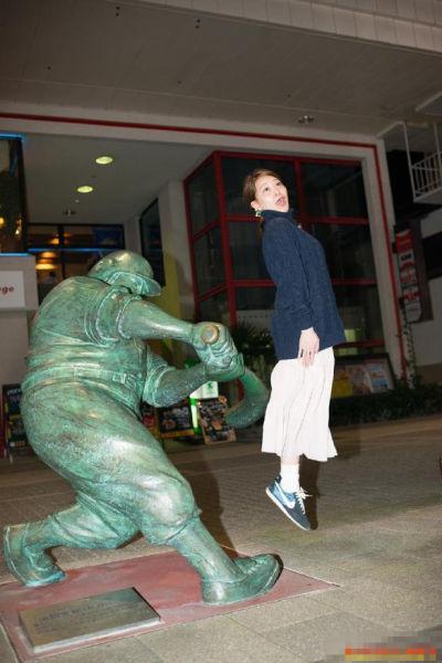 美少女亲自上场 打屁屁大作战盛行于日本