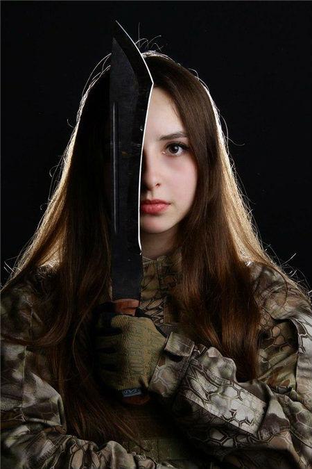 俄国清纯小美女AK军刀高清写真