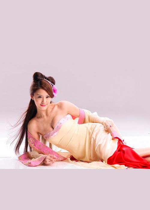 《龙》美女代言:宋纪妍