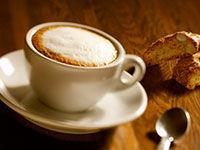 2.大量喝咖啡