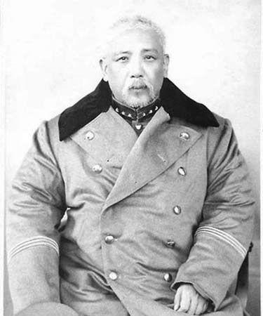 袁世凯(1859年―1916年),字慰亭,号容庵,中国近代史上的政治家、军事家,北洋新军的首脑。于1916年建立年号为洪宪的中华帝国,却未能成功。