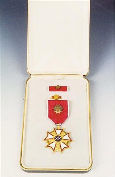 美国政府为表彰戴安澜颁发的勋章