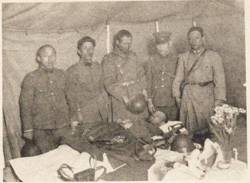 """日军在""""送别""""已经毙命的林大八"""