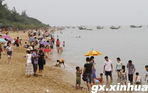 广西钦州迎来夏季旅游热图片
