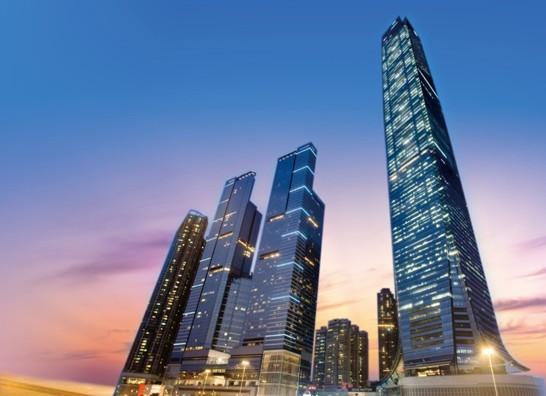 新鸿基地产打造的环球贸易广场
