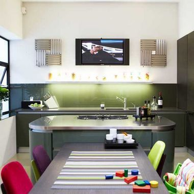 家居家装 行业新闻 > 简约厨房装修效果图  地板,墙面与中岛的颜色,材