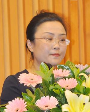 论坛主持人中房协产业协作委秘书长助理 侯敬杰