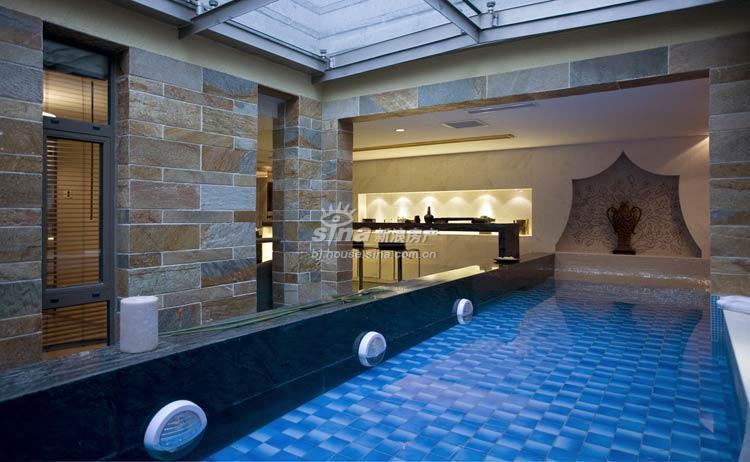 别墅室内游泳池图片