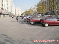 新龙城 实景图 周边停车场实景图