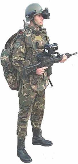 西班牙接收首批COMFUT未来士兵系统装备(图)