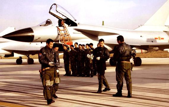解放军空军代表建议设11月11日为中国空军节