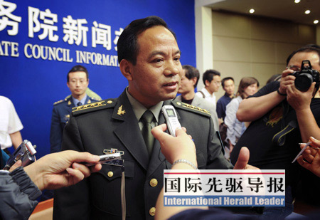 中国军队抗震救灾让国防部新闻发言人提前出炉