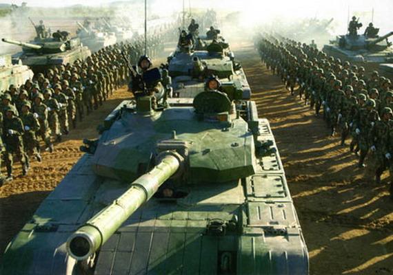 解放军新型坦克开动1摩托小时至少消耗7000元