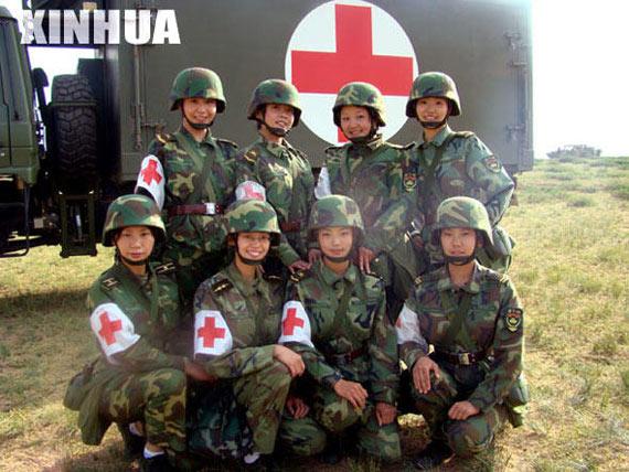 """参加""""砺兵-2008""""演习的""""红""""军八朵金花"""