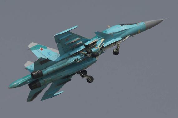 俄制最新型苏-34战斗轰炸机
