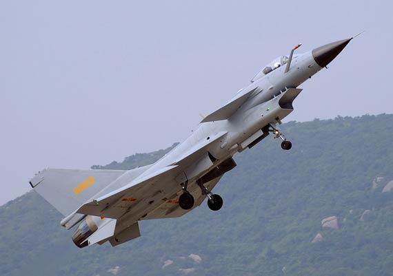 歼10战机是国产最新型第三代战机