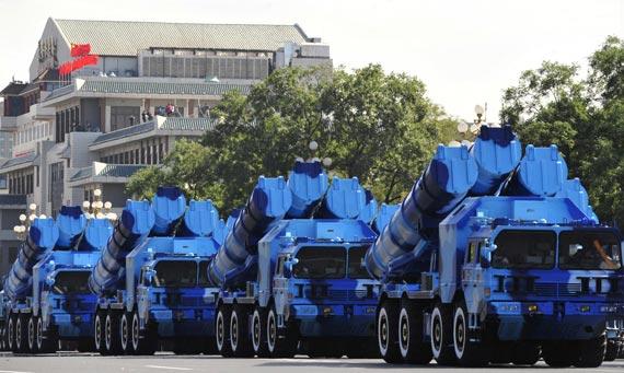 海军岸防部队装备的最新型YJ-62岸舰反舰巡航导弹