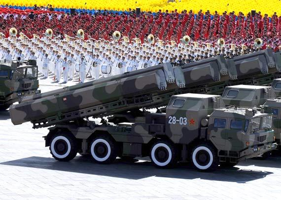 解放军二炮部队装备的长剑10远程巡航导弹