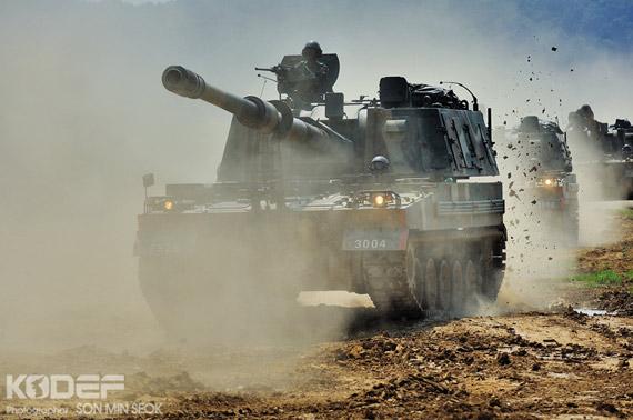 韩国军队已经批量列装国产K-9自行榴弹炮