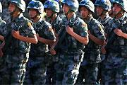 中俄参演人员装备熟悉阅兵现场