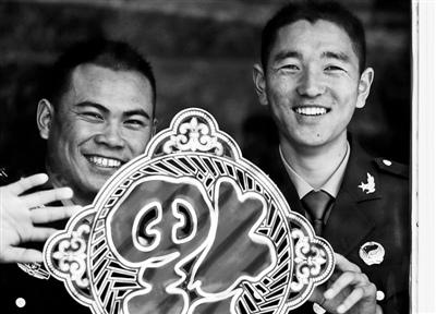解放军陆海空三军部队春节正常执行战备任务