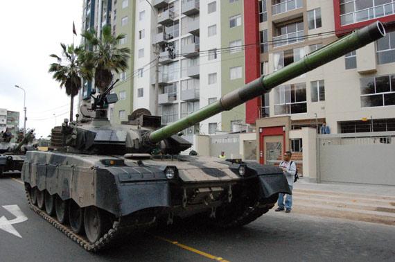 中国北方工业公司制造的MBT-2000主战坦克