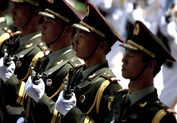 People's Liberation Army ceremonial side Mexican teams to participate in the parade
