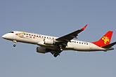 天津航空E190和谐号