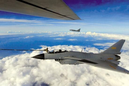 王牌飞行师不畏困难 远海空训再次实现六项突