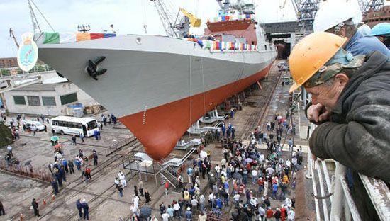 """资料图:俄方为印度建造的第二批3艘""""塔尔瓦尔""""级护卫舰中的第2艘舰下水"""