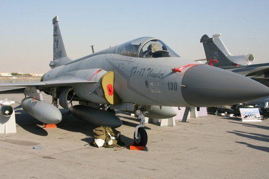 资料图:巴基斯坦空军装备的枭龙战机(JF-17)