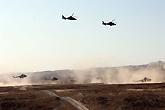 新疆军区陆航直升机编队起飞