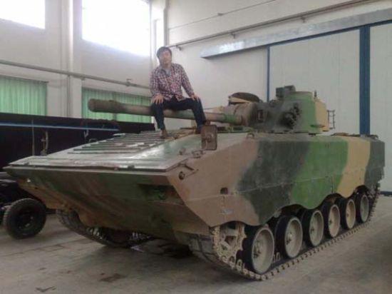 网上流传的WZ502G型履带步兵式战车图片。