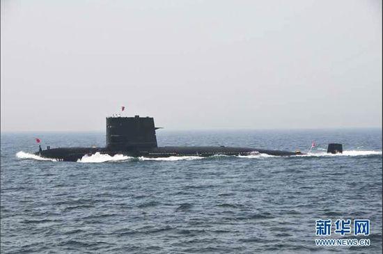 新型常规动力潜艇受阅。新华军事记者 杨雷 摄
