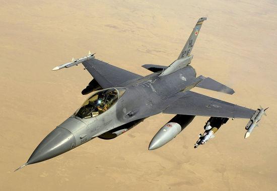 资料图:美国空军装备的F-16C Block40战斗机。
