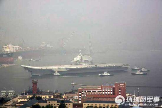 资料图:中国航母试验平台海试归来