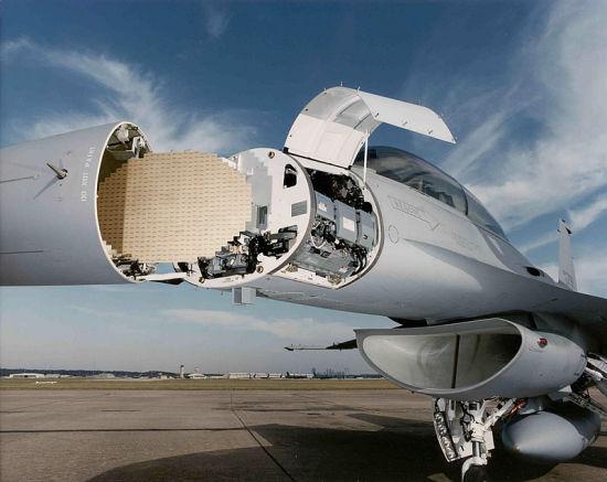 资料图:F-16上安装的APG-80 AESA雷达